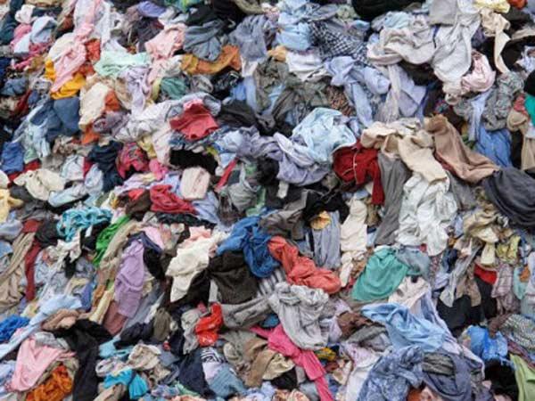 Riciclaggio-cascami-aziende-tessili-Suzzara