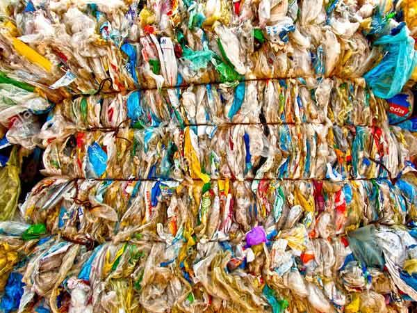 Riciclo-rifiuti-plastici-Suzzara