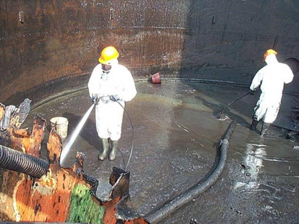 Risanamento-cisterne-stoccaggio-idrocarburi-Modena